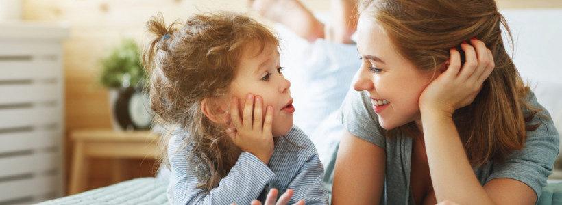 ЩО НАМ ЗАВАЖАЄ СЛУХАТИ ДИТИНУ?
