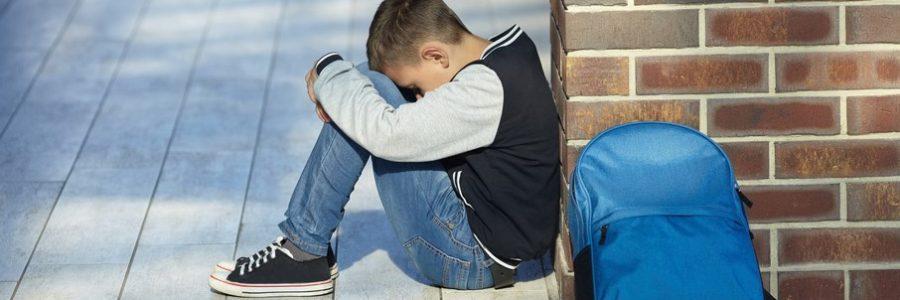 Як допомогти дитині, яку цькують у школі?